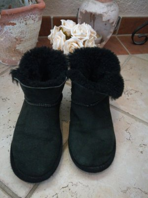 UGG Boots Mini Baily Button