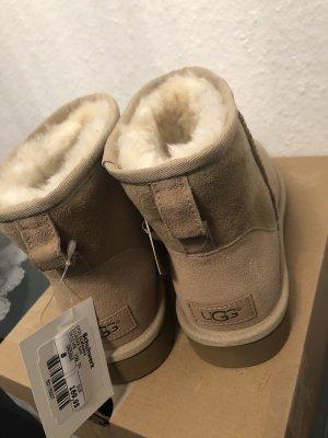 UGG Sneeuwlaarzen licht beige-room