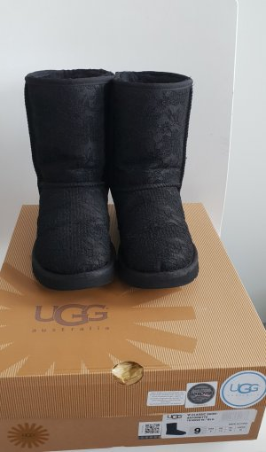 UGG Boots mir Spitze und Swarovski Applikationen