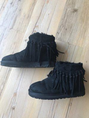 Ugg Boots mit Fransen, schwarz