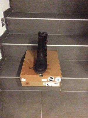 UGG Boots mit Karton