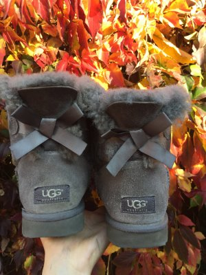 Ugg Boots mit Schleife -39-