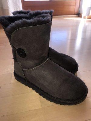 UGG Fur Boots black brown