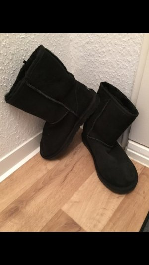 UGG Boots Ozwear collection