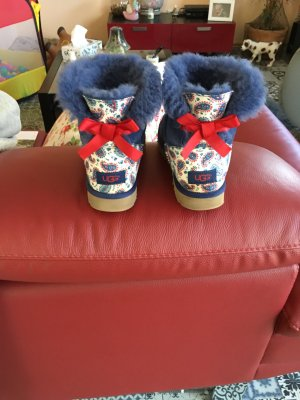 UGG boots paisley bow