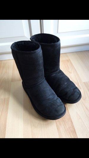 UGG Boots, schwarz, classic short 5825, Grösse 39