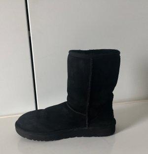 UGG Boots schwarz halbhoch