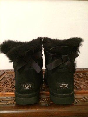 Ugg Boots schwarz mit schleifen