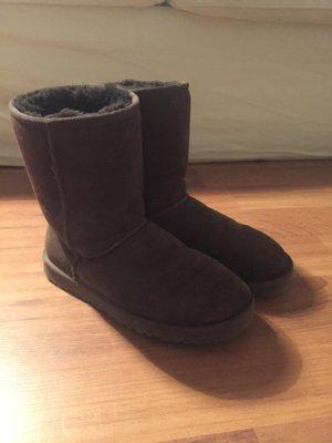 UGG Boots short in Braun Gr. 39