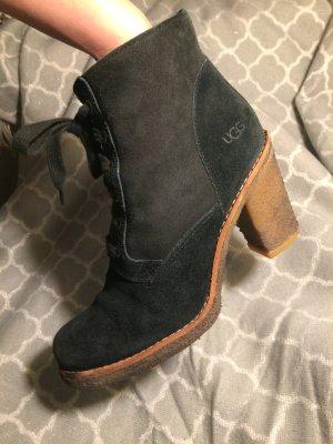 "UGG Boots ""Sofia"" -  Leder Winterstiefel in schwarz / gefüttert (High Heels)"