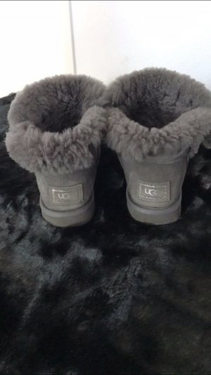 UGG Boots Special Edition in Grau