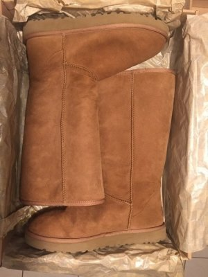UGG Boots tall chestnut