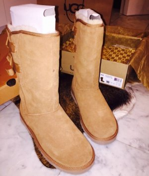Ugg bow tall gr 38 nude