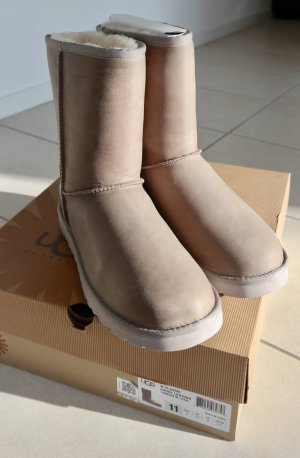 UGG Classic Short Leather - taupe - NEU!