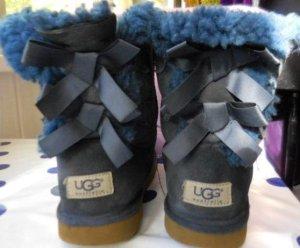 UGG Gr. 33/34 blaue bailey bow stiefel schön warm sauber gepflegt guter Zustand