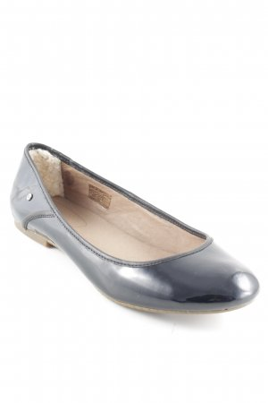 UGG Patent Leather Ballerinas black elegant