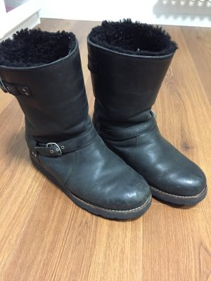 UGG Leder Stiefel schwarz mit schnallen