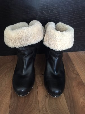 UGG LYNNEA CLOG ANKLE BOOT