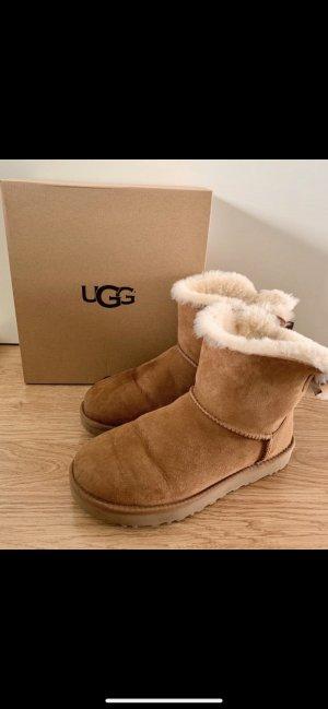 UGG Mini Bailey Boots in Größe 40