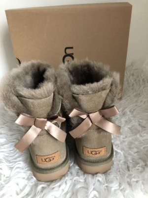 UGG Mini Bailey Bow Khaki 39