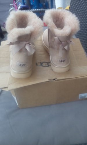 UGG Mini Bailey bow metallic neu