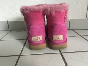 UGG Mini Baily Button