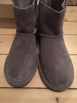 UGG mini perf 38 grau bootie stiefel NEU in OVP bailey bow für kleid skinny jeans