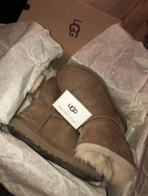 Ugg's Arielle