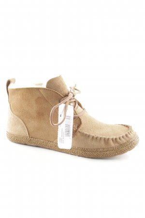 UGG Lace-up Booties light brown casual look