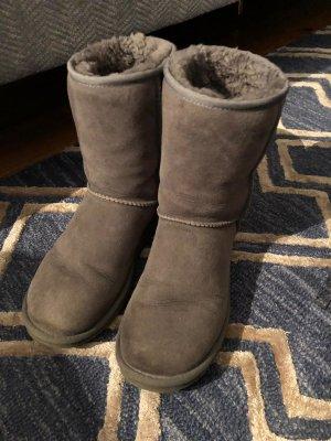 UGG Schuhe Gr. 39 graue Stiefel