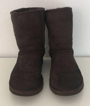UGG Schuhe in dunkelbraun