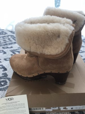 UGG Australia Fur Boots light brown