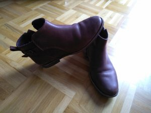 UGG Ankle Boots brown