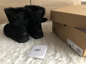 UGG Suede Bow mini black