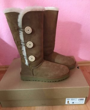 UGG Tripplet Bailey Button