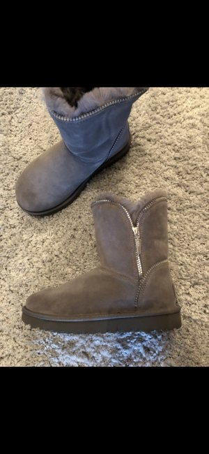 UGG Australia Fur Boots grey-silver-colored