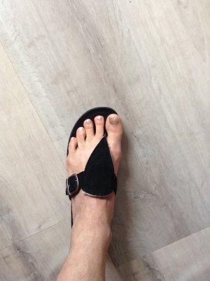 UGG Australia High-Heeled Toe-Post Sandals black