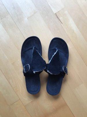 UGG Australia High-Heeled Toe-Post Sandals black-natural white suede