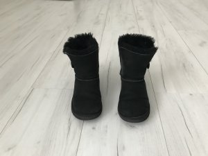 Uggs Bailey Button schwarz