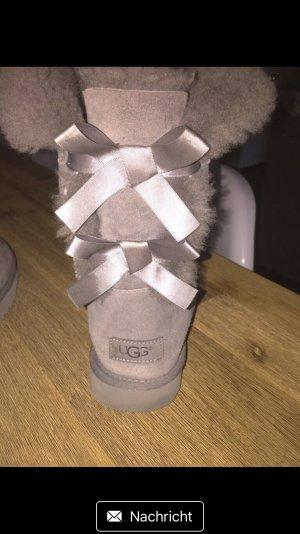 UGG Bottes de neige gris clair-gris