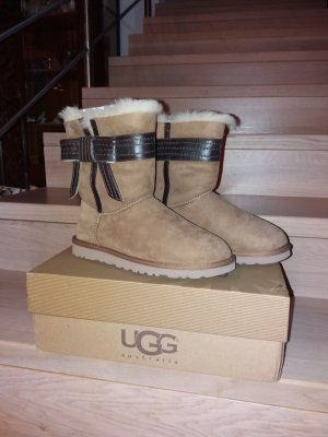 UGG Boots brown-camel
