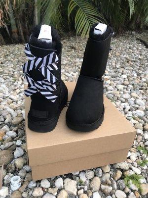 UGG Snow Boots black-white