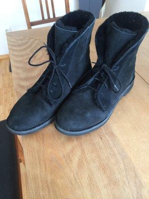 UGG Australia Bottines à lacets noir