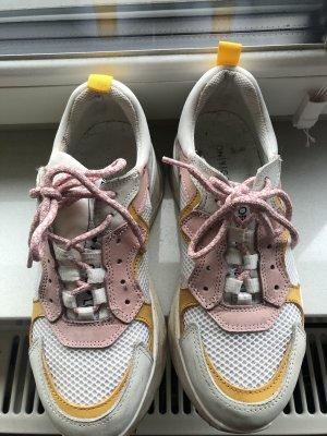 Ugly Sneaker Onygo