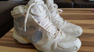 Ugly Sneaker von Puma.