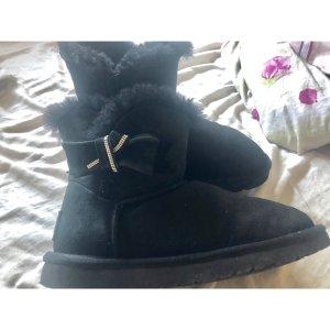 Uhh Boots mini mit Schleife