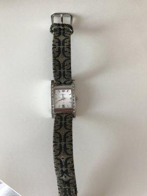 Uhr fossil gut erhalten