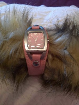 Uhr Fossil mit rosefarbigem Lederarmband