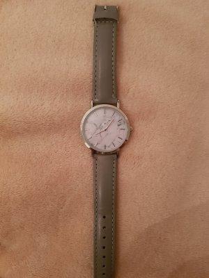 Uhr Marmor Grau