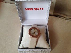 Uhr mit beigem Lederarmband und rosa silbernem Ziffernblatt mit Logo